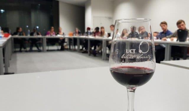 Platters Wine Guide 2019 4