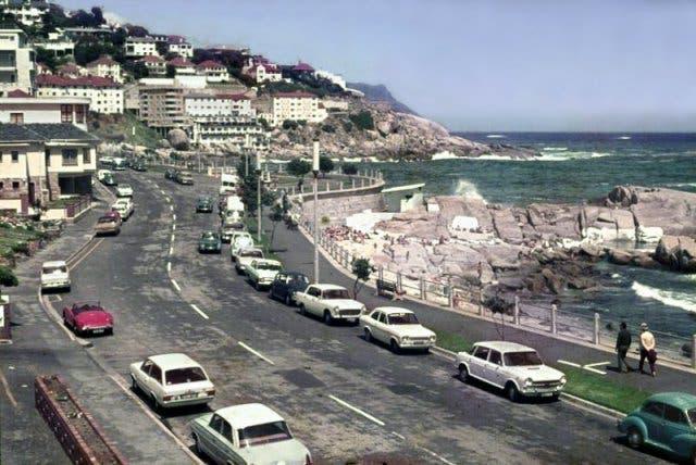Rundreise Kapstadt, Camps Bay, Kapstadt bei schönem Wetter, 1970