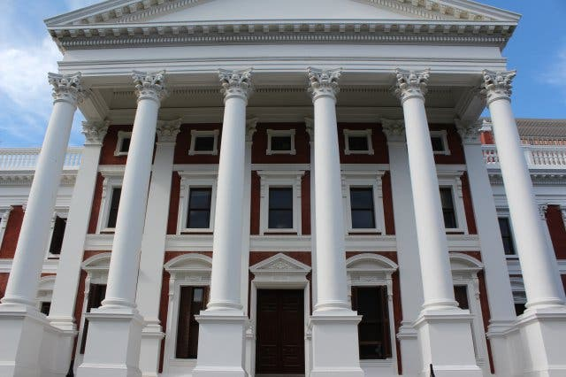 Das Parlament sitzt in Kapstadt