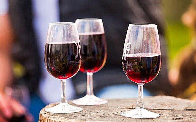 In China trinken sie Rotwein aus Kapstadt.