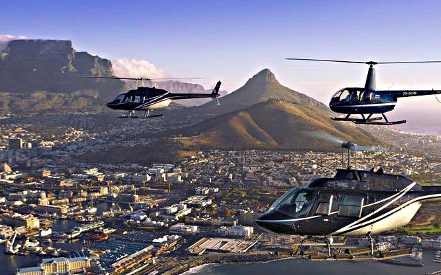 Hubschrauberflug über Kapstadt