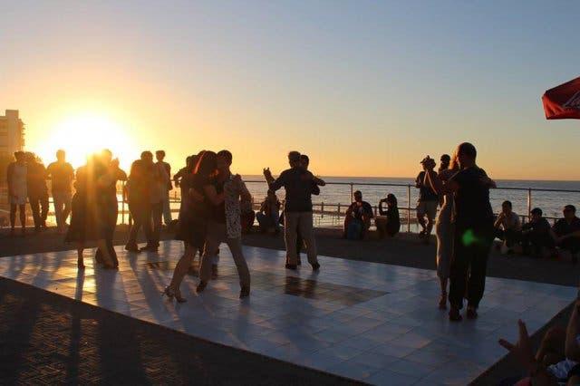tango on the promenade